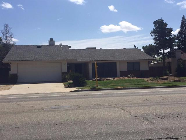 143 Armstrong Ave, Clovis, CA