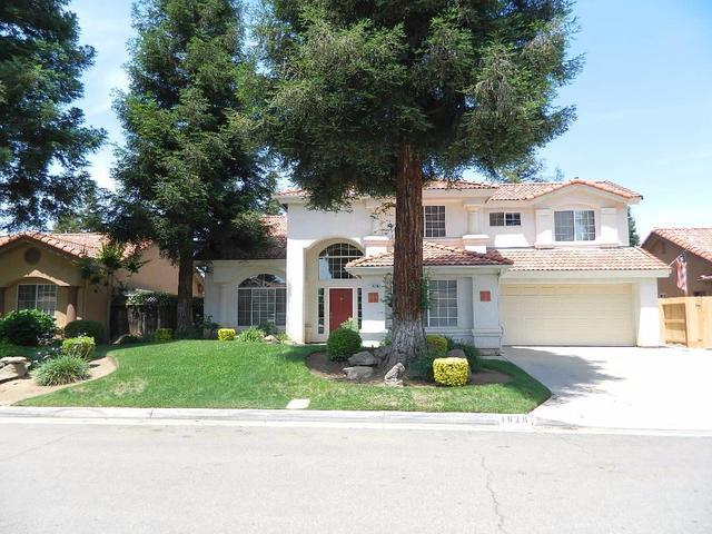 1828 E Everglade Ave, Fresno, CA