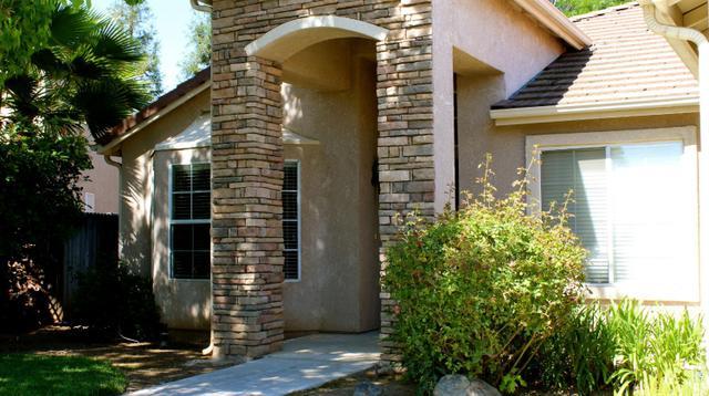 8329 N Thyme Way, Fresno, CA