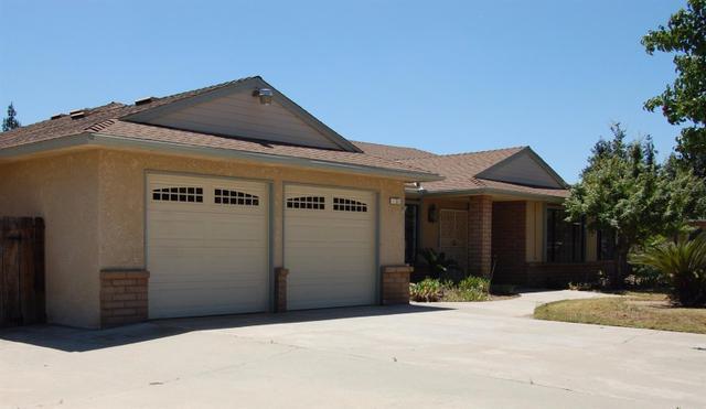 1233 W Millbrae Ave, Fresno, CA