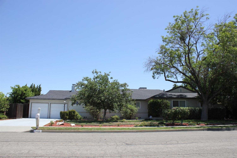 1105 N Williams, Hanford, CA 93230
