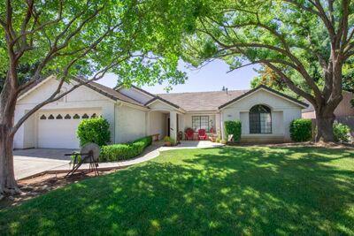2552 Mesa Ave, Clovis, CA 93611