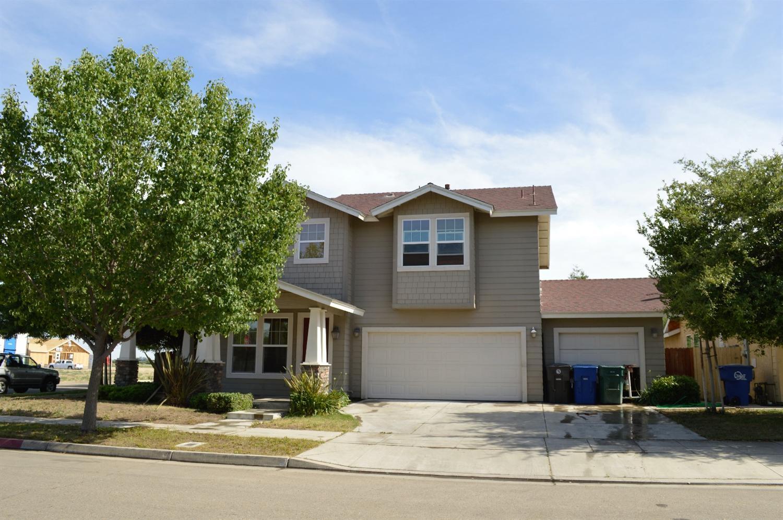255 W Sasaki Avenue, Reedley, CA 93654