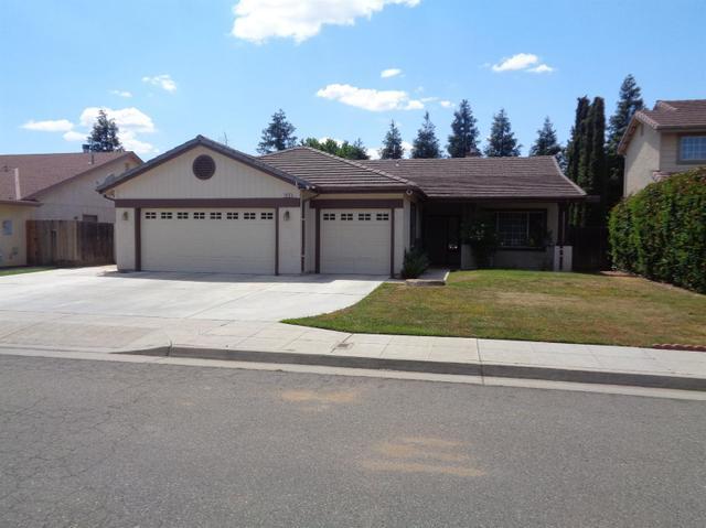 1016 N Douglas Ave, Clovis, CA 93611