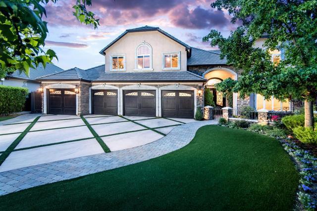 1558 E Shadow Creek Dr, Fresno, CA