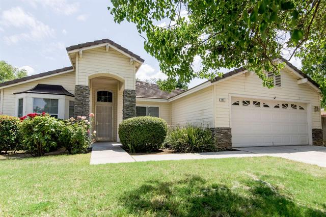 2417 E Omaha Ave, Fresno, CA