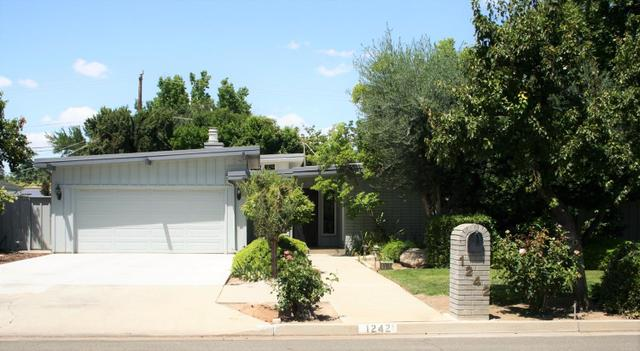 1242 W San Jose Ave, Fresno, CA