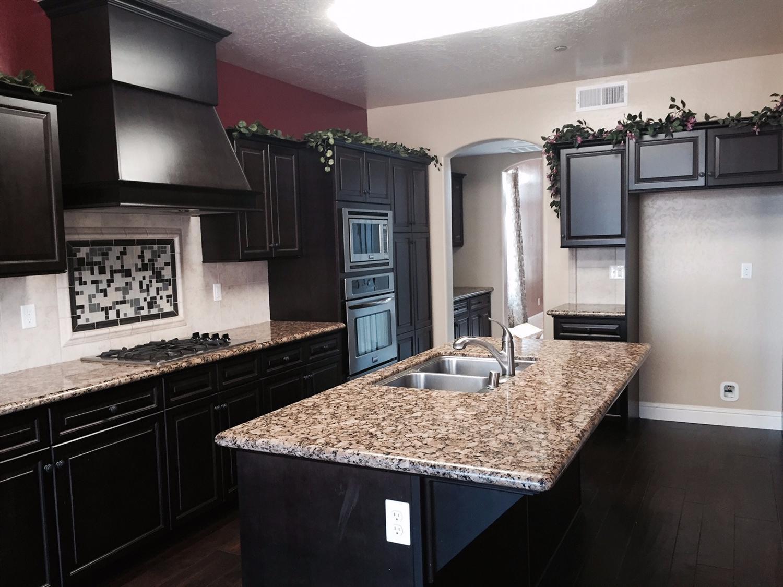 10530 N N Sierra Vista Avenue, Fresno, CA 93730