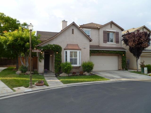 793 W Bordeaux Ln, Clovis, CA