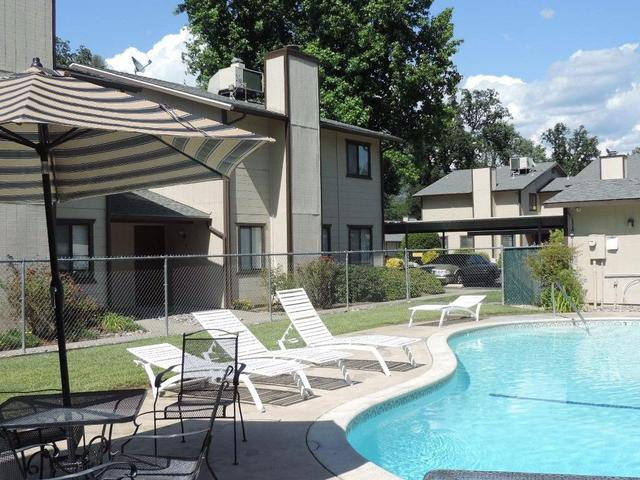 49400 River Park Rd #APT 9, Oakhurst, CA