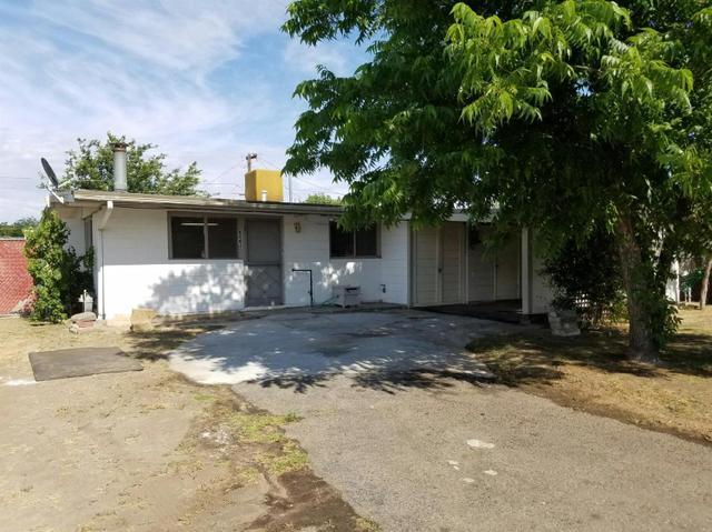 923 E Rosebrook Dr, Clovis, CA