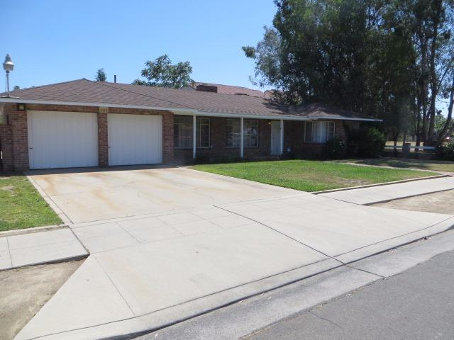 1338 E Griffith Way, Fresno, CA 93704