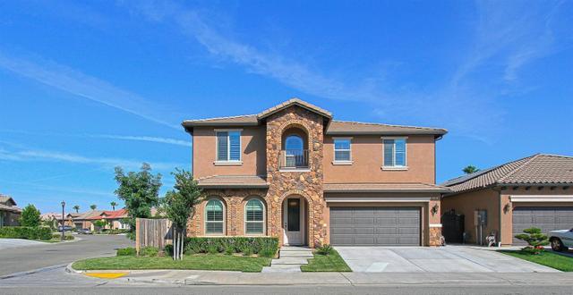 11385 N Via Montessori Dr, Fresno, CA 93730