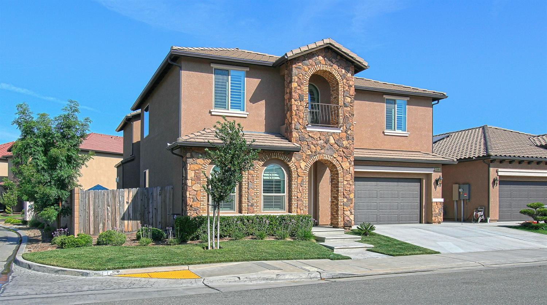 11385 N Viaduct Montessori Drive, Fresno, CA 93730