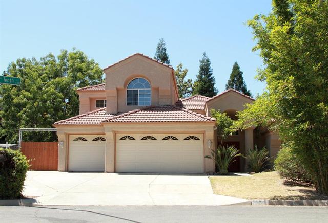 8355 N 10 Th St, Fresno, CA 93720