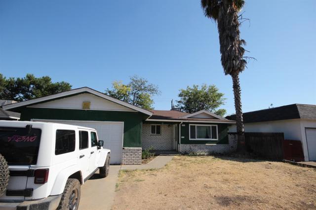 424 W Santa Ana, Clovis, CA 93612