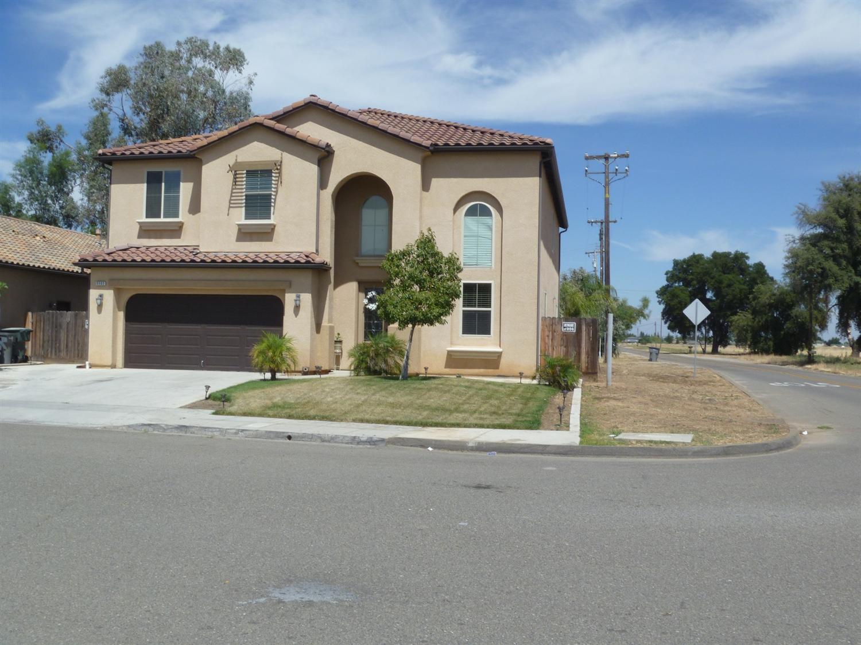 5502 N La Ventana Avenue, Fresno, CA 93723