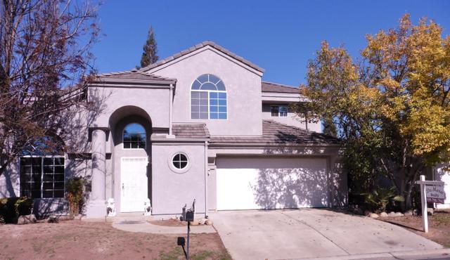 1104 E Pennsylvania Ave, Fresno, CA 93720