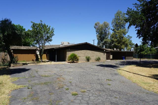 8620 12th Ave, Hanford, CA 93230