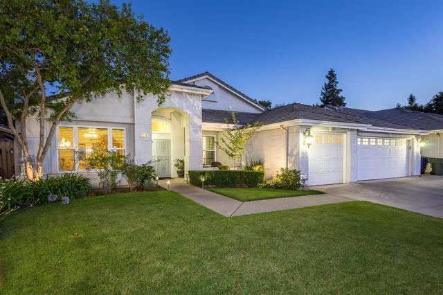 1678 Goshen Ave Clovis, CA 93611
