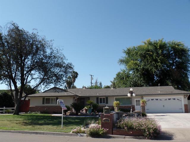 142 W Scott Ave Fresno, CA 93704