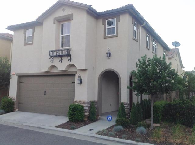 3695 Etchings Way Clovis, CA 93619