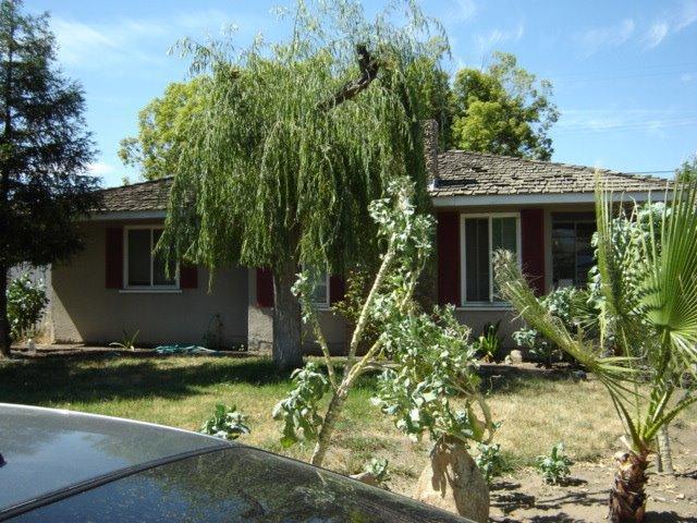 4225 E Brentwood Ave, Fresno, CA 93703