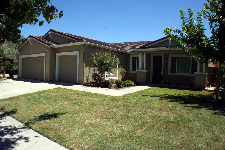 2726 Keats Avenue, Clovis, CA 93611