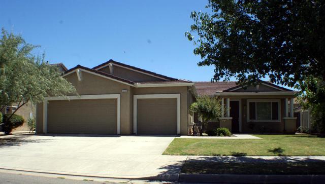 2726 Keats Ave, Clovis, CA 93611