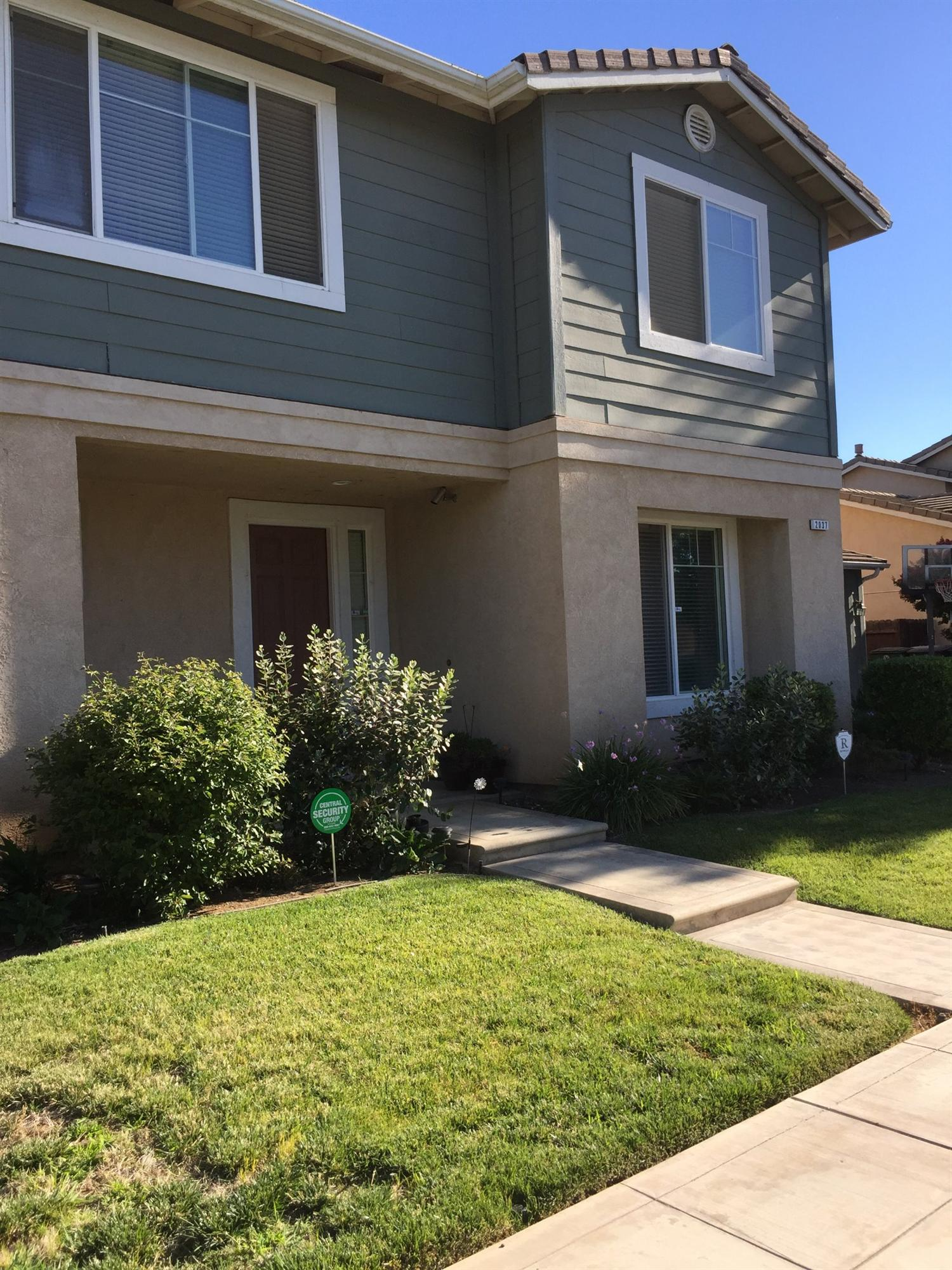 2037 E Washington Avenue, Reedley, CA 93654