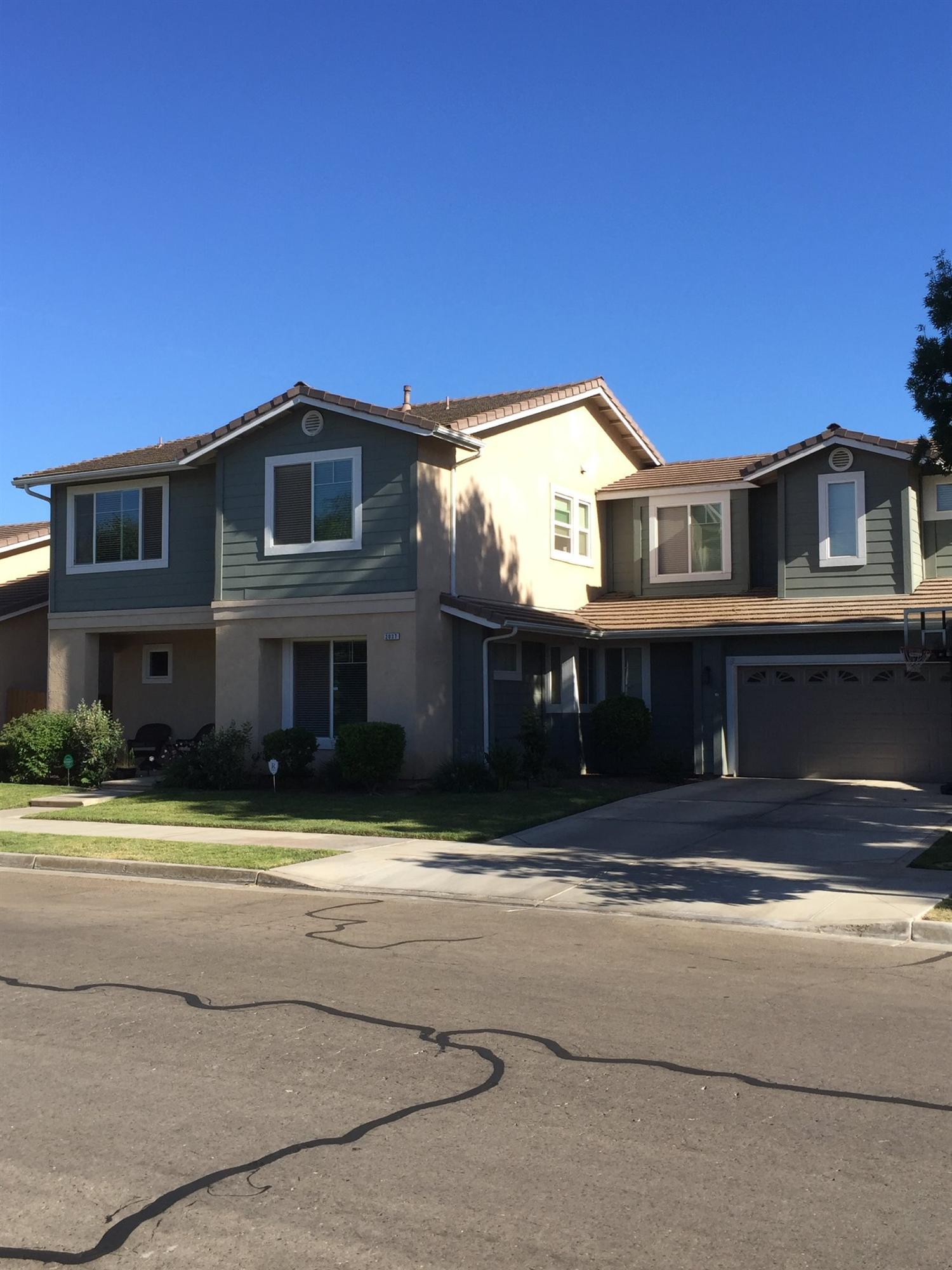 2037 E Washington Ave, Reedley, CA 93654