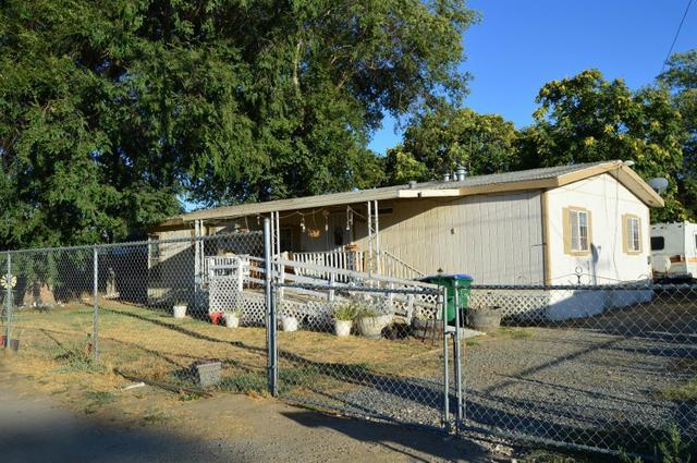 1439 E Roby Ave, Porterville, CA 93257