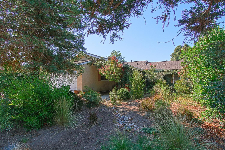 1324 Robinson Avenue, Clovis, CA 93612
