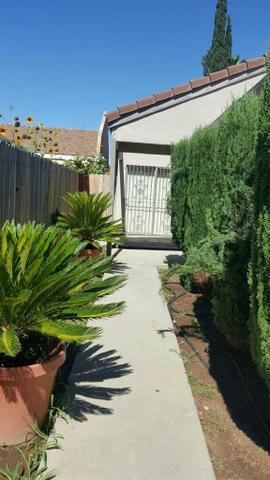 2222 S Matus Ave, Fresno, CA 93725