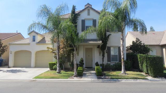 52 W Serena Ave, Clovis, CA 93619
