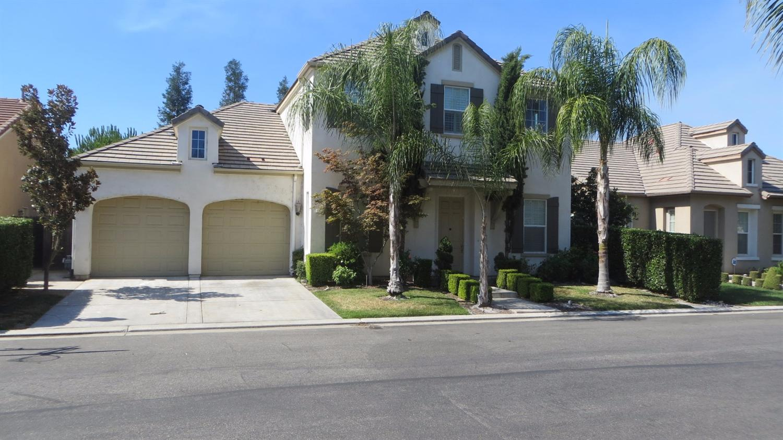 52 W Serena Avenue, Clovis, CA 93619