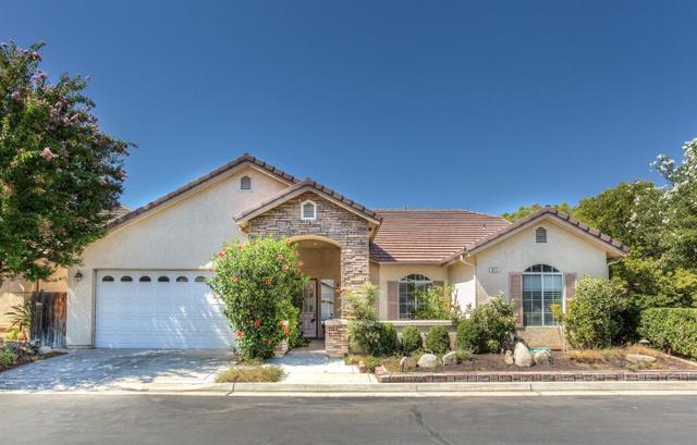 872 E Green Acres Dr, Fresno, CA 93720