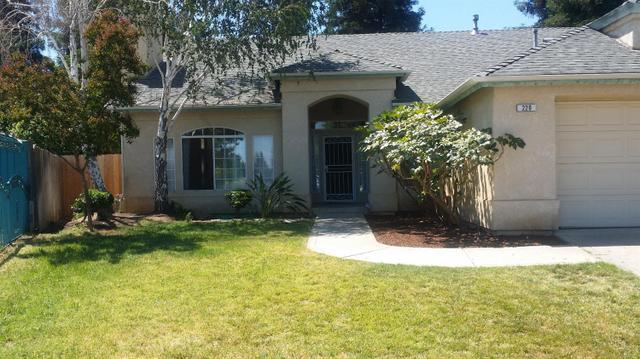 220 W Birch Ave Clovis, CA 93611