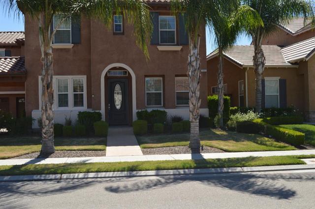 1853 N Nadine Ave Clovis, CA 93619