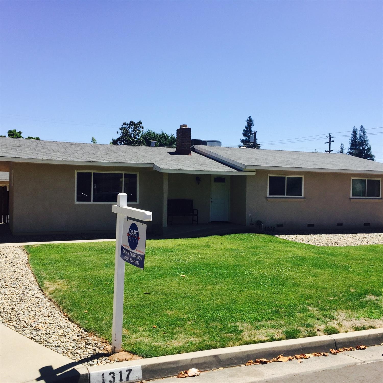 1317 E E Almendra Drive, Fresno, CA 93710
