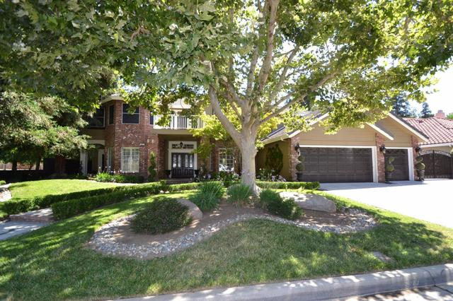 957 N Citadel Ave, Clovis, CA 93611