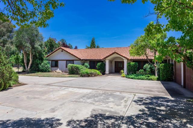 5034 N Indianola Ave Clovis, CA 93619