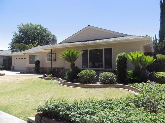 6611 N Barton Ave, Fresno, CA 93710