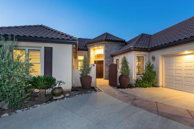 1598 E Sterling Hill Way, Fresno, CA 93730