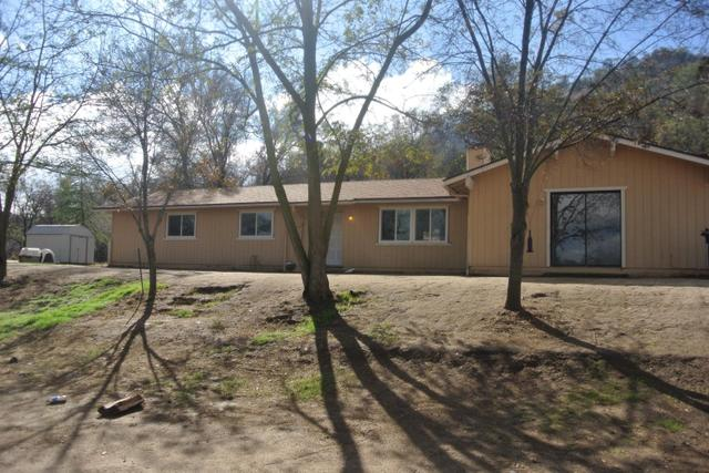 33931 Frazier Rd, Auberry, CA 93602