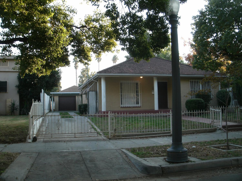 336 E Kearney Blvd, Fresno, CA 93706