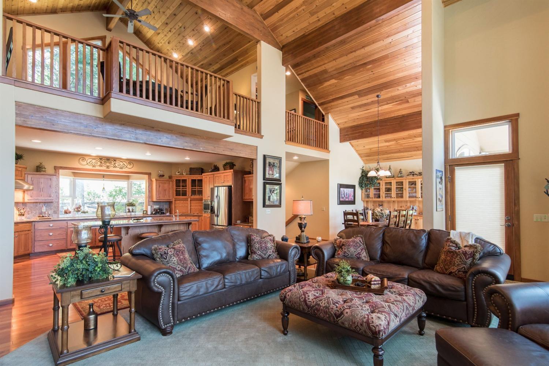 42410 Canyon Vista Lane, Shaver Lake, CA 93664