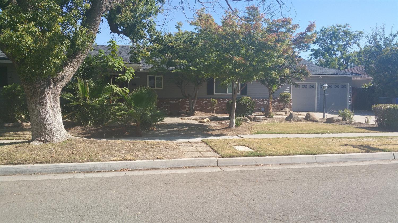 1712 E Stuart Avenue, Fresno, CA 93710