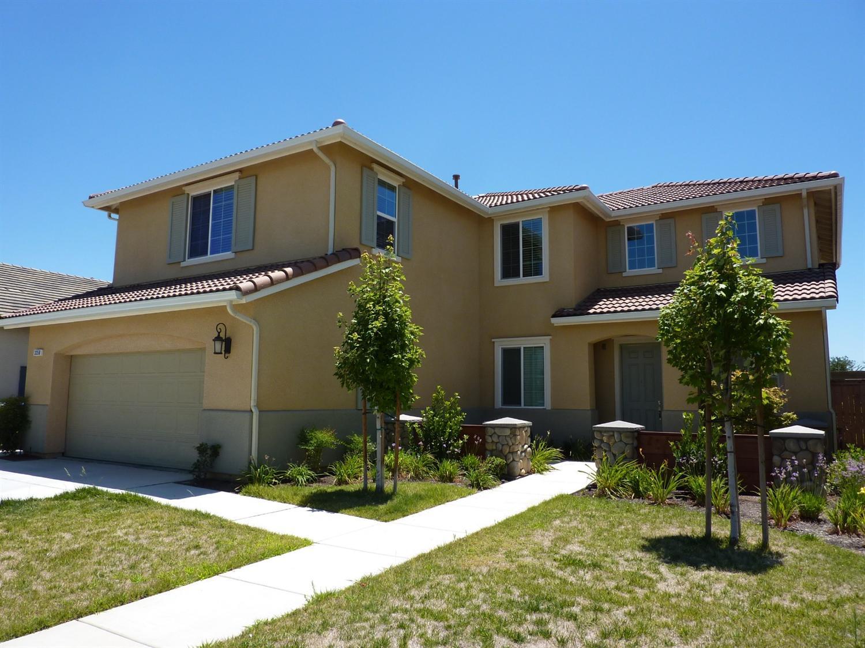 3358 Poe Ave, Clovis, CA 93619