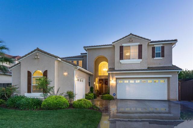 2480 Serena Ave, Clovis, CA 93619